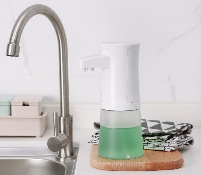 Foamatic automatic hand washing device